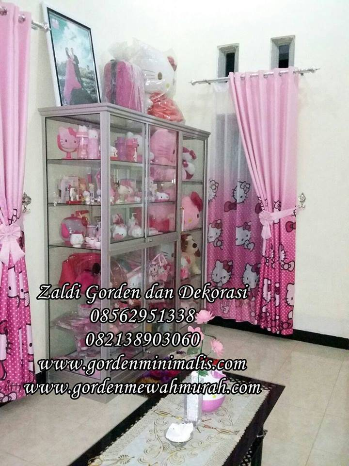gorden anak hello kitty warna pink bahan blackout model smokering murah untuk jendela rumah minimalis modern hello kitty ungu